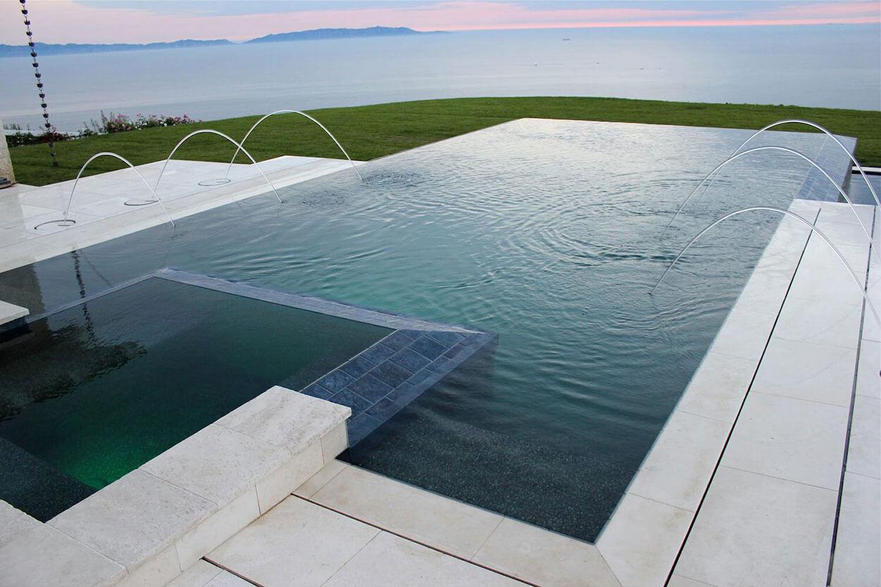 Beautiful Pool Overlooking Ocean