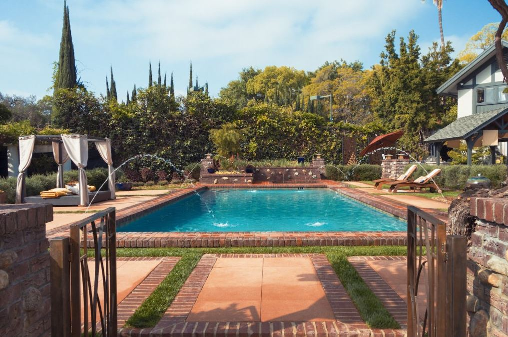 Ensure Privacy For Your Inground Pool